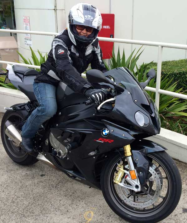 Pillionpassionista in her new gear astride the S1000RR